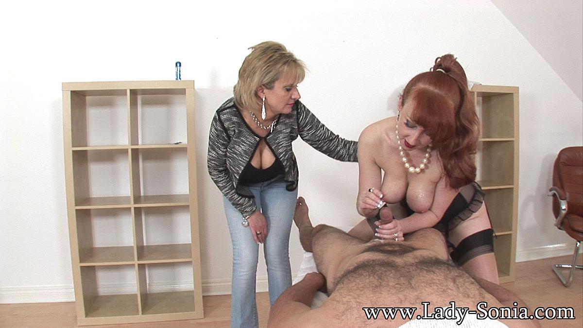 dark haired women nude