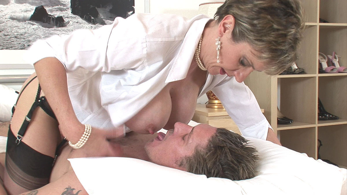lady sonia boots Search - XVIDEOSCOM